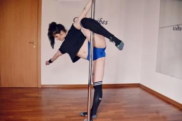 martina_liverani_ugodance_sportwear_poledance1